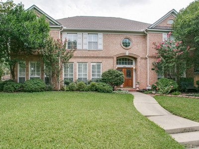 Einfamilienhaus for sales at 6729 Trinity Landing Drive N  Fort Worth, Texas 76132 Vereinigte Staaten