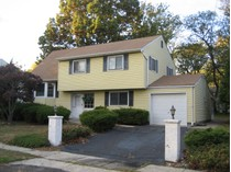 Частный односемейный дом for sales at 4 Ridge Dr.    Hazlet, Нью-Джерси 07730 Соединенные Штаты