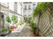 Casa Unifamiliar for sales at Dragon VP    Paris, Paris 75006 Francia