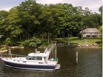 Maison unifamiliale for sales at Deep Water Dock On Hamburg Cove 79 Cove Road   Lyme, Connecticut 06371 États-Unis