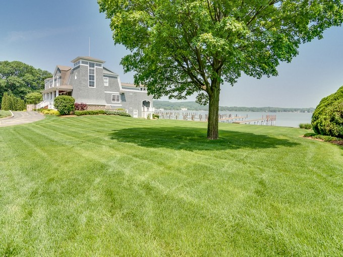 Land for sales at Lakeway Drive    Holland, Michigan 49423 United States