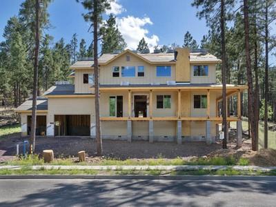 独户住宅 for sales at Luxury Home in the Trees 2065 N Cobblestone Cir Flagstaff, 亚利桑那州 86001 美国
