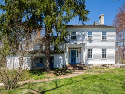 Moradia for sales at Britton House: Full Of History And Inspiration 30 Homestead Lane  Roosevelt, Nova Jersey 08555 Estados Unidos