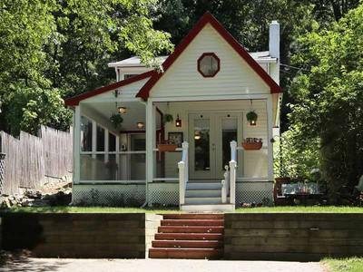 단독 가정 주택 for sales at Lake Side Living 12 West Birch Road Norfolk, 매사추세츠 02056 미국