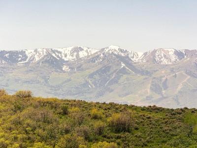 Đất đai for sales at Wapiti Canyon Homesite – Golf Membership Deposit Available to Purchase 8619 N Sunset Cir  Park City, Utah 84098 Hoa Kỳ
