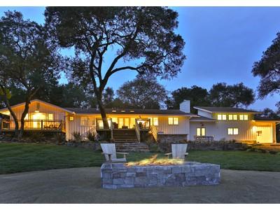 Nhà ở một gia đình for sales at 10577 Chalk Hill Road    Healdsburg, California 95448 Hoa Kỳ