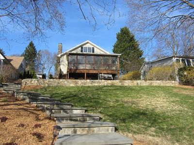 Casa para uma família for sales at Lakefront Living 10 Windmill Road New Fairfield, Connecticut 06812 Estados Unidos