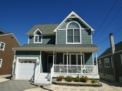 Maison unifamiliale for sales at Custom Built Ocean Block 1st Avenue  Normandy Beach, New Jersey 08739 États-Unis