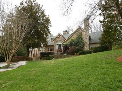 Villa for sales at Spacious European Country Estate 3290 Ridgewood Road NW Atlanta, Georgia 30327 Stati Uniti