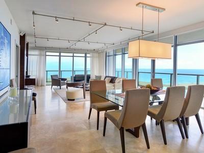 Кооперативная квартира for sales at Caribbean S-1002 3737 Collins Avenue S-1002  Miami Beach, Флорида 33140 Соединенные Штаты