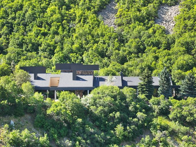 Nhà ở một gia đình for sales at Architectural Master Piece on 6.5 Acres of Private Land 4198 Prospector Dr Salt Lake City, Utah 84121 Hoa Kỳ