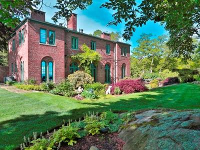 Частный односемейный дом for sales at Copper Beech 275 Hale Street  Beverly, Массачусетс 01915 Соединенные Штаты