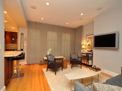 Kat Mülkiyeti for sales at Chic Two Bedroom 74 Waltham Street Unit 1  Boston, Massachusetts 02118 Amerika Birleşik Devletleri