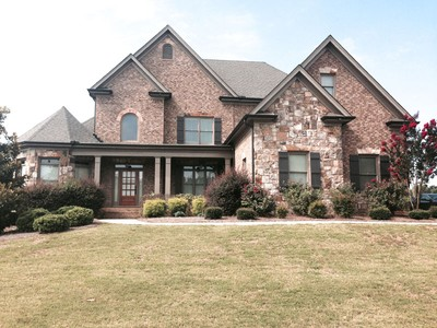 Single Family Home for rentals at Stunning Home Available for Lease! 3028 Alcovy Club Court Dacula, Georgia 30019 United States