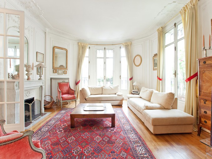Apartment for sales at Family apartment - Perfect Condition - Les Sablons  Neuilly, Ile-De-France 92200 France