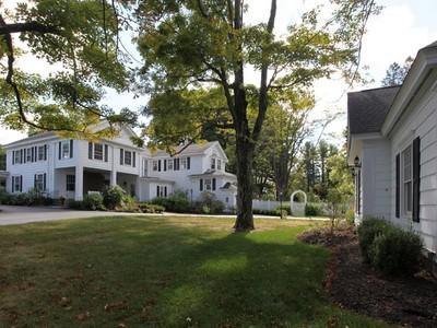 Casa Unifamiliar for sales at Roger Camp House 205 South Street Middlebury, Connecticut 06762 Estados Unidos
