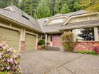 Einfamilienhaus for  sales at Elegant Upper Blueridge Family Home 2150 Hill Drive North Vancouver, Britisch-Kolumbien V7H2N6 Kanada