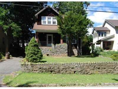 Moradia for sales at Colonial Charmer 738 Forest Avenue Larchmont, Nova York 10538 Estados Unidos