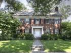 Maison unifamiliale for  sales at Stunning Colonlial 136 Corlies Avenue Pelham, New York 10803 États-Unis