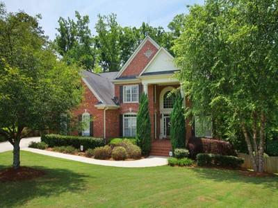 단독 가정 주택 for sales at Beautiful Home in Creekside Estates 5420 Gatewood Lane Cumming, 조지아 30040 미국