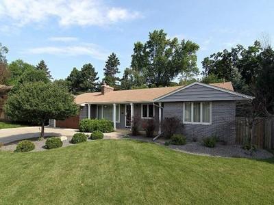 Nhà ở một gia đình for sales at 4812 Wilford Way , Edina, MN 55435  Edina, Minnesota 55435 Hoa Kỳ