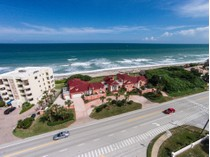 기타 주거 for sales at Oceanfront Estate 3055 HIGHWAY A1A   Melbourne Beach, 플로리다 32951 미국