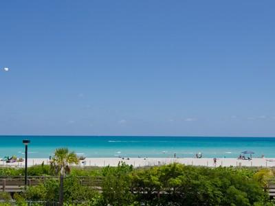 コンドミニアム for sales at Roney 2301 Collins Ave 1027  Miami Beach, フロリダ 33139 アメリカ合衆国