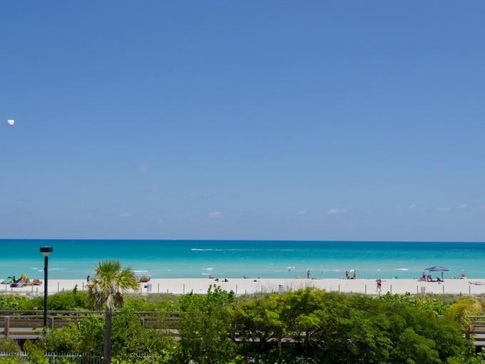 콘도미니엄 for sales at Roney 2301 Collins Ave 1027 Miami Beach, 플로리다 33139 미국