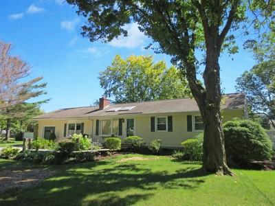단독 가정 주택 for sales at Family Living 129 Old Saugatuck Road  Norwalk, 코네티컷 06855 미국