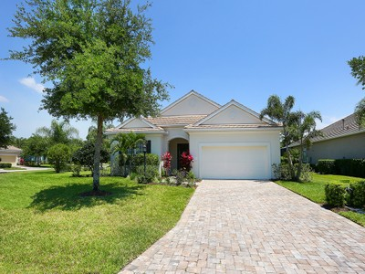 Single Family Home for sales at LAKEWOOD RANCH COUNTRY CLUB 7263  Lismore Ct Bradenton, Florida 34202 United States