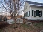 Maison unifamiliale for sales at Great Location 15 Winn Hill Road Sunapee, New Hampshire 03782 États-Unis