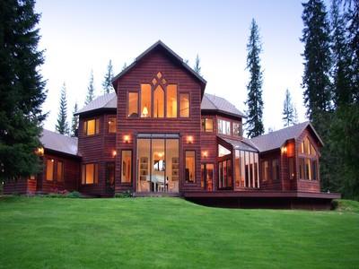 Nhà ở một gia đình for sales at Luxurious Living in a Heavenly Setting 500 Heavenly Lane Nordman, Idaho 83848 Hoa Kỳ