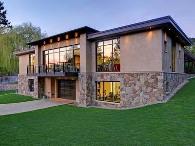 Vivienda unifamiliar for sales at A Modern Hideaway Undisclosed Ave  West Bellevue, Bellevue, Washington 98004 Estados Unidos