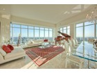 Appartement en copropriété for  sales at Ultimate Penthouse 2181 Yonge Street, PH West   Toronto, Ontario M4S2B1 Canada