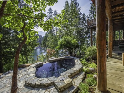 Tek Ailelik Ev for sales at Two Totem Lodge on Swan Lake  Bigfork, Montana 59911 Amerika Birleşik Devletleri