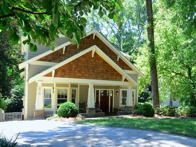 Moradia for sales at Beautiful Peachtree Hills Home 279 Eureka Drive Atlanta, Geórgia 30305 Estados Unidos