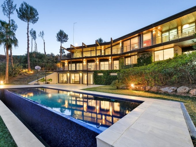 Moradia for sales at Villa With Sea Views in Golf Bendinat  Calvia, Palma De Maiorca 07181 Espanha