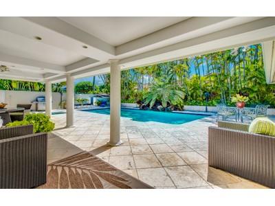Maison unifamiliale for sales at Beachside Home 111 Kaiolino Way Kailua, Hawaii 96734 États-Unis