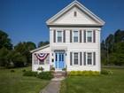 獨棟家庭住宅 for sales at Heart of Village 29 Washington St Cambridge, 紐約州 12816 美國