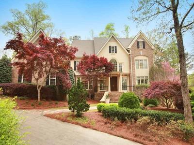 Villa for sales at Brick Estate on Golf Course 9400 Colonnade Trail  Alpharetta, Georgia 30022 Stati Uniti