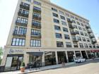Condominio for sales at Gorgeous Views 1601 W School Street Unit 610 Chicago, Illinois 60657 Stati Uniti