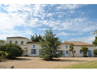 Single Family Home for sales at maison Charentaise  Other Poitou-Charentes, Poitou-Charentes 17920 France