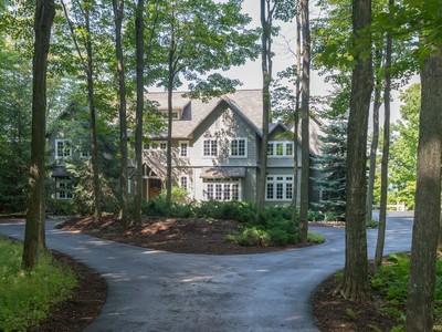 Casa para uma família for sales at 7224 Preserve Drive North    Bay Harbor, Michigan 49770 Estados Unidos