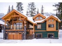 Maison unifamiliale for sales at Luxury Mountain Home 1585 Columbia Valley View   Golden, Colombie-Britannique V0A1H0 Canada