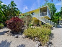Villa for sales at Canal Home with Extra Lot 126 Long Ben Drive   Key Largo, Florida 33037 Stati Uniti