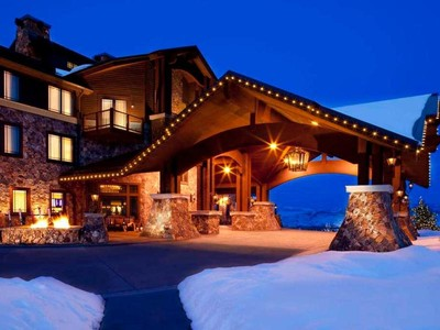 コンドミニアム for sales at Open, Top Floor 3 Bedroom Penthouse with Ski Resort Views 2100 Frostwood Blvd Park City, ユタ 84098 アメリカ合衆国