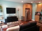 Condominio for sales at Andersonville One Bedroom Condo 4835 N Ashland Avenue Unit GW Chicago, Illinois 60640 Estados Unidos