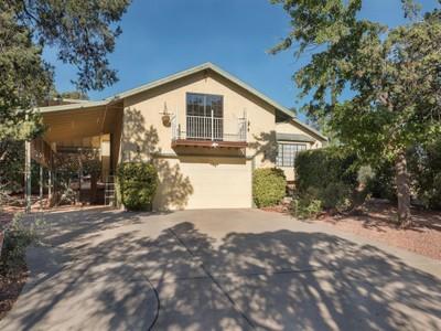 Casa para uma família for sales at Excellent West Sedona Location 135 Pinon Drive  Sedona, Arizona 86336 Estados Unidos