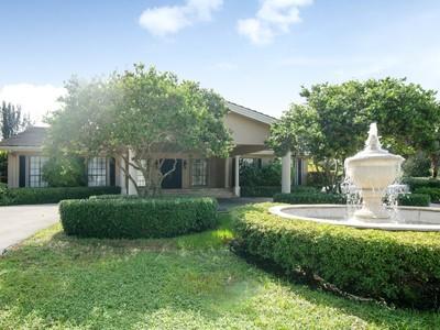 獨棟家庭住宅 for sales at 5851 Holatee Trail  Fort Lauderdale, 佛羅里達州 33330 美國