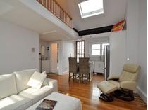 Eigentumswohnung for sales at Renovated Beacon Hill Penthouse 35 Mount Vernon Street  Beacon Hill, Boston, Massachusetts 02108 Vereinigte Staaten